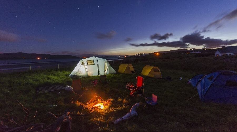 Camping with the family in a 6 person camping tent